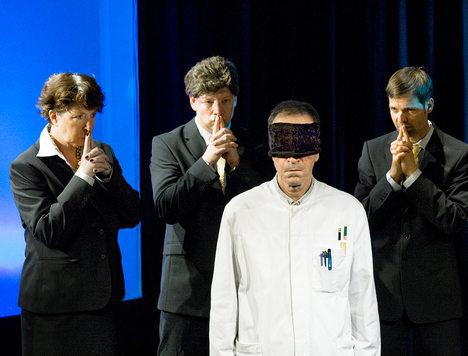 BC_Stille-Macht_Blinde-Kuh_orig