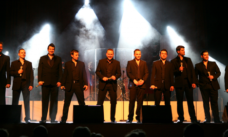 The-12-Tenors_Fotocredit-Susannah-v_-Vergau-700x420