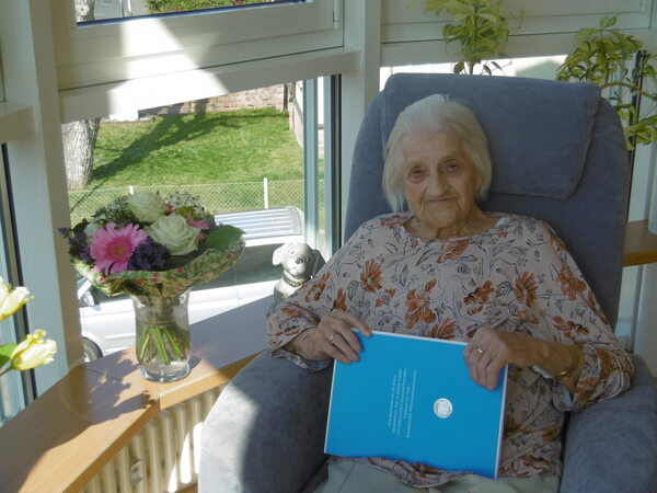 Olivia Nickel feiert 100 Geburtstag